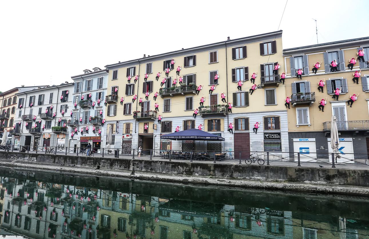 L'iniziativa promozionale di Carrefour Italia per #OreSpeseBene ai Navigli, Milano.
