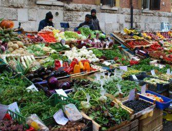 Frutterie nordafricane a Roma? Per Repubblica è un racket della camorra