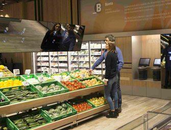 Apre il supermercato del futuro Coop: ora la spesa si fa con la realtà aumentata