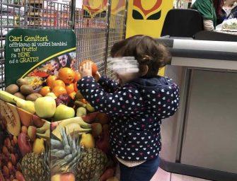 Todis regala un frutto ai suoi piccoli consumatori: al via l'iniziativa nei pdv