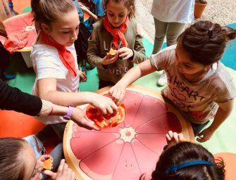 Oranfrizer torna nelle scuole con Il Giardino delle Arance: bambini alla scoperta della filiera degli agrumi