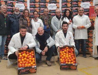 Oranfrizer parte via nave per la Cina con i primi due container di arance rosse