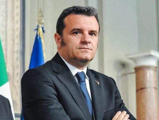 ministro Centinaio Mipaaft